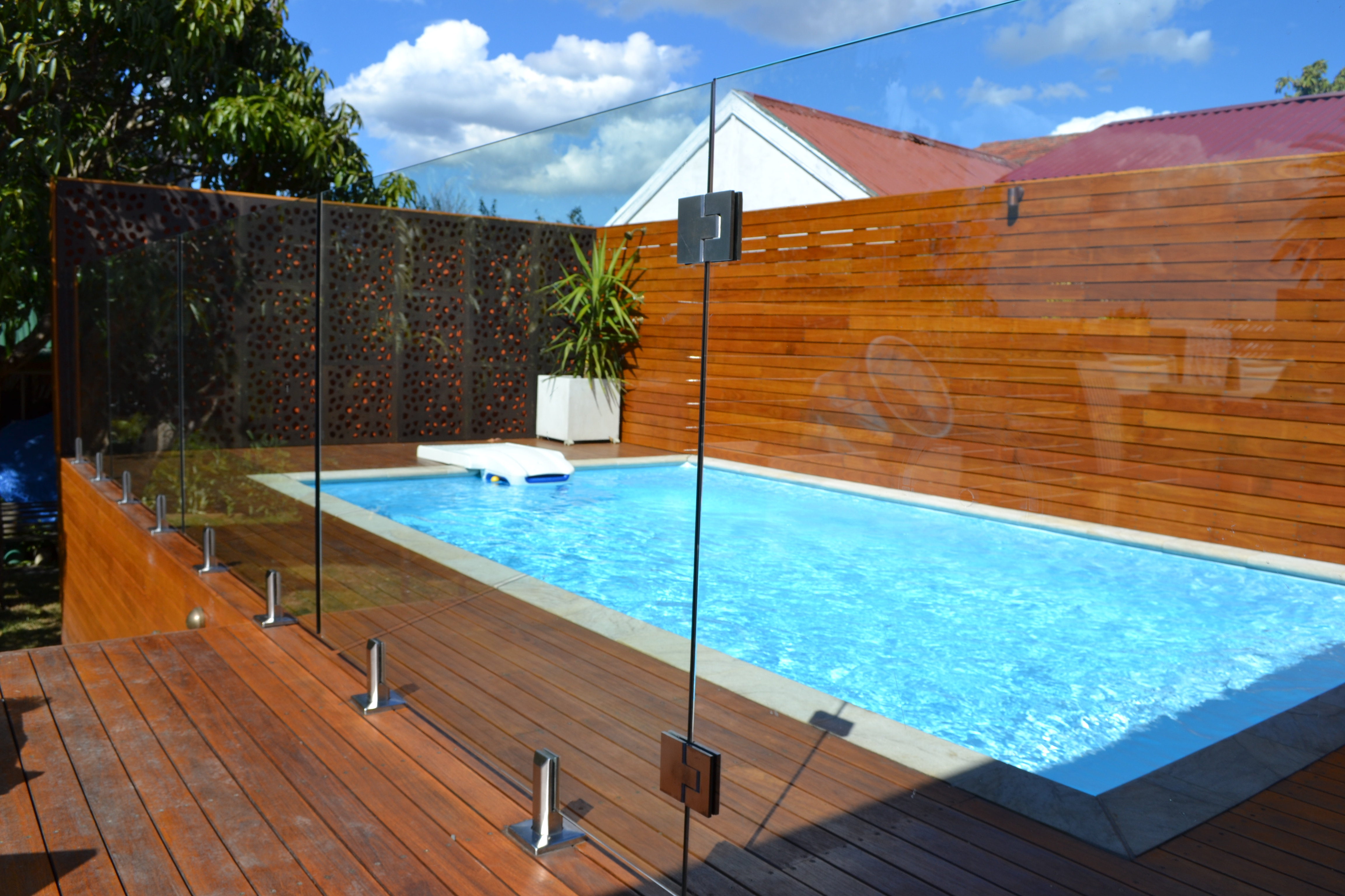 Frameless Pool Fence Perth Fencing Centre Perth Preum Fencing