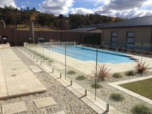 Frameless Glass Pool Fence-1