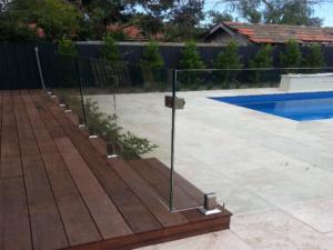 Frameless Glass Pool Fence-12