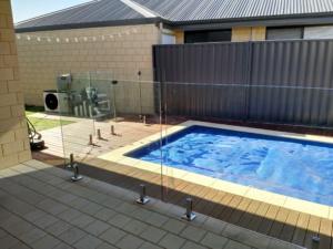Frameless Glass Pool Fence-2