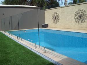 Frameless Glass Pool Fence-4