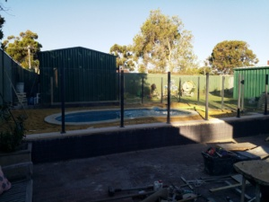 Semi Framless Glass Pool fence-1