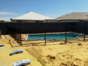 Tubular Pool Fence-1