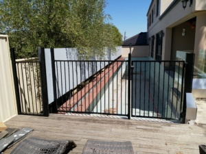 Tubular Pool Fence-2