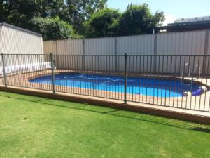 Tubular Pool Fence-5