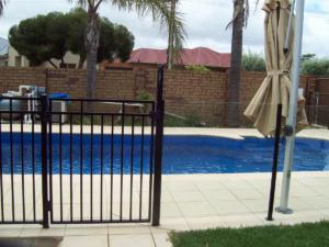 Tubular Pool Fence-7